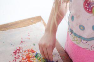 crayon wax rainbow e1577457373942